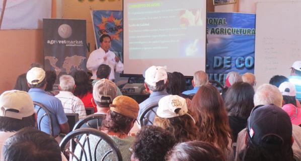 Agrovet Market present in the discussion of bovine mastitis in Arequipa