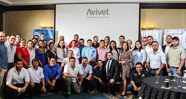 Nicaragua: Avivet presenta simposio de salud intestinal en aves de corral