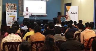 """Avivet® realizó con éxito la ponencia """"Manejo de enfermedades respiratorias en aves"""" en Ayacucho"""